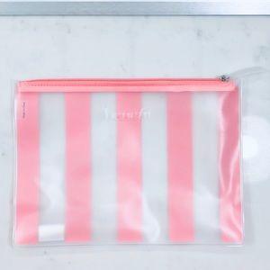 $2 Bundle Item 🌻 Benefit Makeup Bag